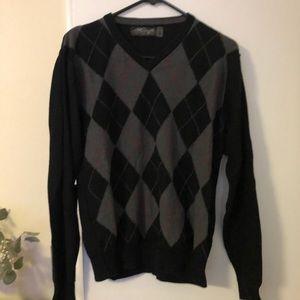 Retrofit back argyle sweater